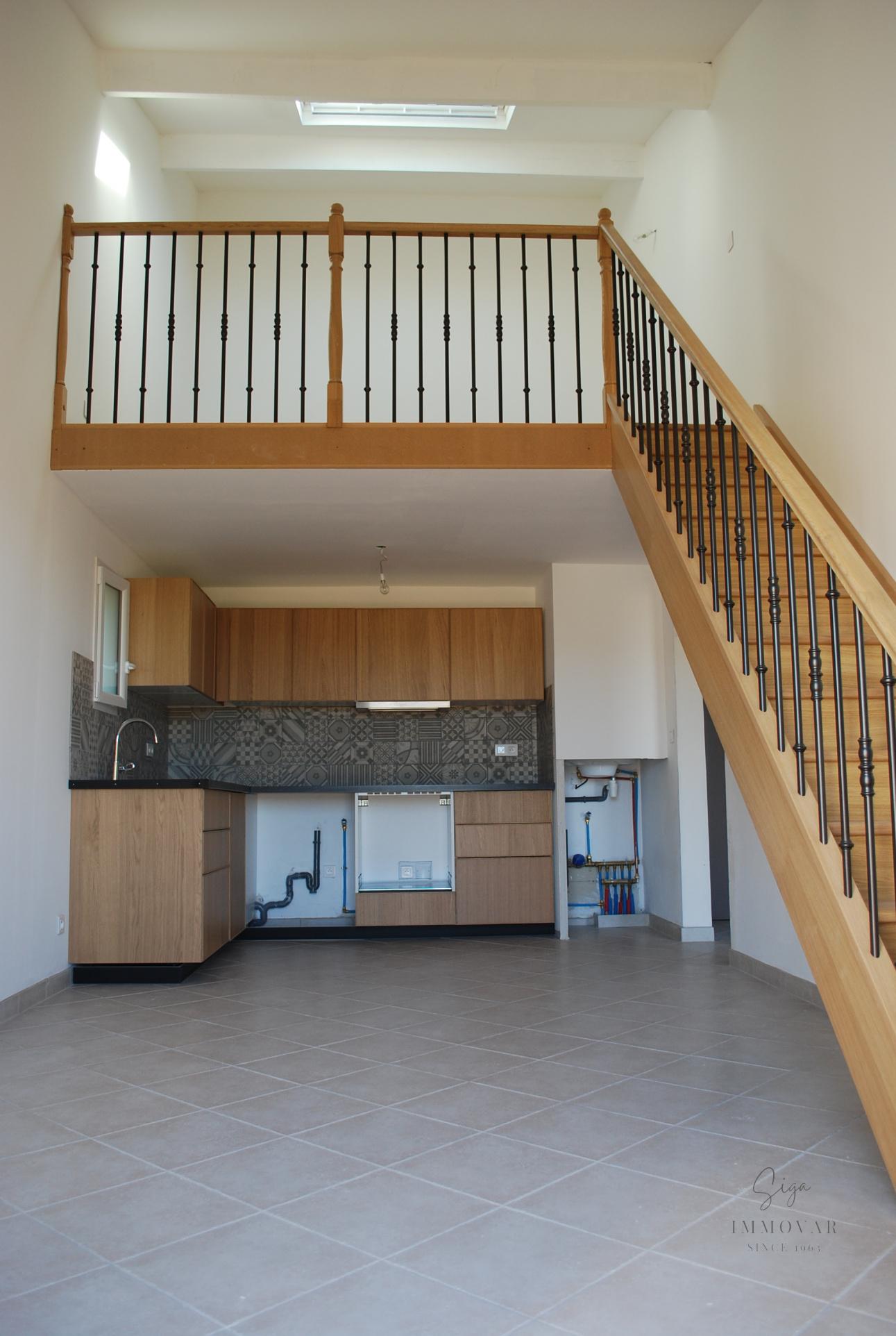 Appartement à saint-cyr-sur-mer    240 000 €