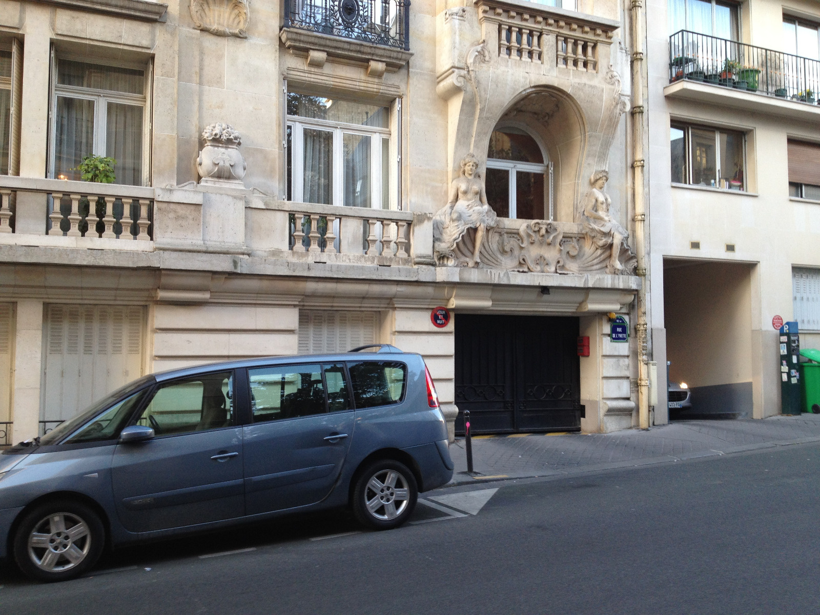 PARKING A LOUER DE SUITE  PARIS 16è rue JASMIN